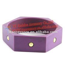 fashion acrylic bangle with rivet design