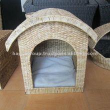 Waterhyacinth Pet House