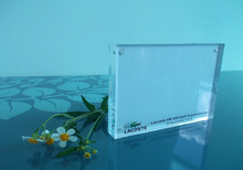 Manufacturer supplies exquisite and high quality square clear acrylic magnetic photo frame