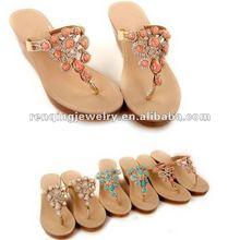 2016 fashion resin and rhinestone lady slipper chain