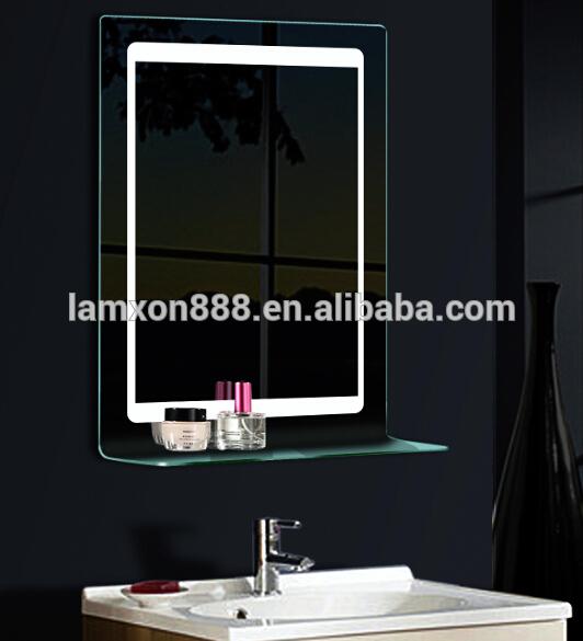 Alta  fine usa hotel piegato specchio del bagno con ripiano in ...