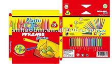 18ct Plastic Triangular Crayon Set
