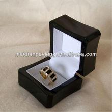 Custom black painting mini rings wood gift jewellery box