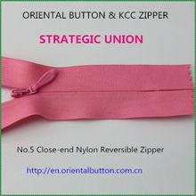 no. 5 close-end nylon reversible zipper