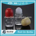 venta al por mayor 50ml botella de vidrio con un rollo de para el envasado de cosméticos transparente