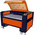 La technologie dsp de commande numérique machine de découpe laser co2/co2 40w graveur gravure au laser machine de découpe