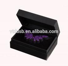Custom shape 4gb custom pvc USB flash drives Retailer Joyce Celebrates 40 Years for promotion premiums key with gift box pens