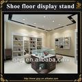 montado en la pared de madera del zapato piso estante de exhibición con iluminación led