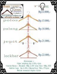 Clothes Hanger Gantungan Kayu
