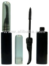 Mascara empty container with extra comb
