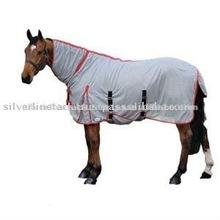 Waterproof winter horse rug