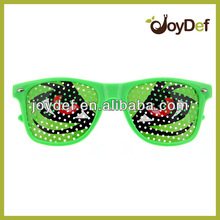 Logo Lens Pin hole Wayfarer Sunglasses Cartoon Eye Design