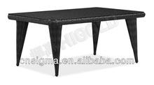 2014 Simple design Triangular legs small glass coffee table