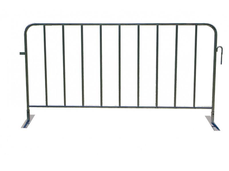 ประตูรั้วบนล้อสำหรับequicrossอุปสรรคเหล็ก8