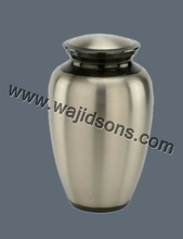 Home And Restuarant Brass Urns