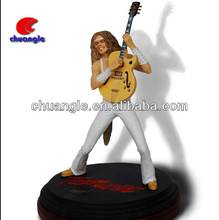 figurative artists realistic, singer figurine