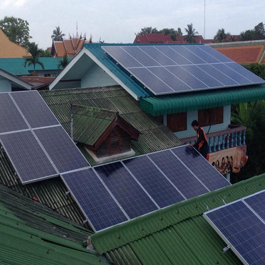 Bluesun factory design cheap offer 50w polycrystalline photovoltaic solar panels