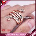 dubai design anel banhado a ouro de cristal cobra em forma de anel