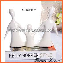 NHTC890 Family of Three Ceramic Craft Decoration