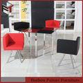 siyah ve kırmızı yemek masası ve sandalyeler setleri