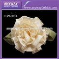 hecho a mano de flores de la cinta para los vestidos