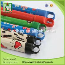 Low price pvc coated wooden broom handle , broom stick with italian screw and plastic cap