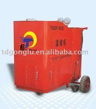 Road sealant filling machine