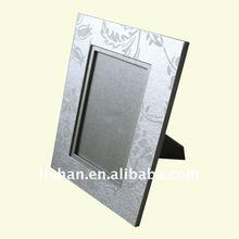 Delicate paper photo frame