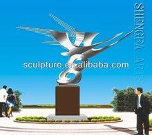 Lovely metal bird sculptures