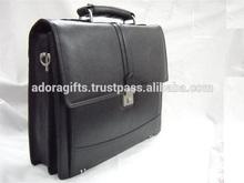 Personalized specious laptop carry bag / best laptop messenger bag / fashionable laptop bag