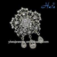Wholesale Charming Zinc Alloy Rhinestone Chandelier Brooch For Women Dress Jewelry