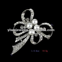 Charming Korean Ribbon Bow Tie Pearl Brooch for Promotional Gifts