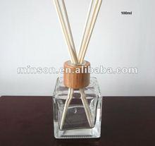 Nova chegada, 100 ml garrafa de vidro Cube Aroma difusor com Ratten palhetas ao melhor preço