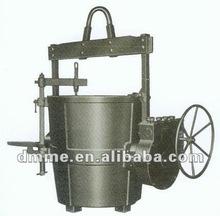 Bottom tap steel ladle geared