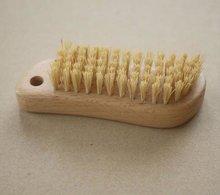 2013 new design wooden nail brush