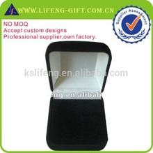 wholesale custom black velvet lapel pin box packing box