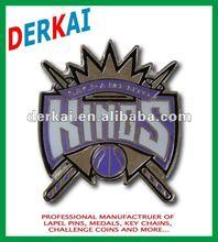 metal enamel pin badge wit KINGS (new)