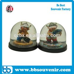 wholesale souvenirswater globe resin viking snow globe