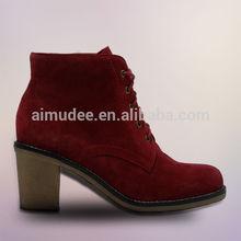 La moda de alta calidad de color rojo sexy de encaje- up de goma de suelas para zapatos y botas