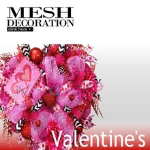 Outdoor Artificial Flowers Wreaths With Deco Mesh For Decoration On Valentine's Day