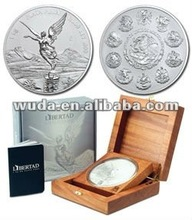 2012 nice design metal coin with wooden box