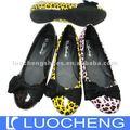 la señora plana zapato apretado con estampado de leopardo de la pu
