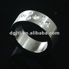 latest design fashion stainless steel ring with crystal