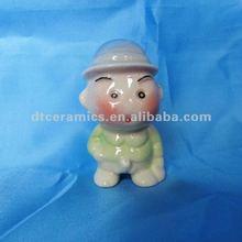 boneca de cerâmica