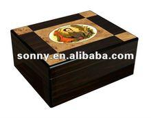 Antique wooden cigar case