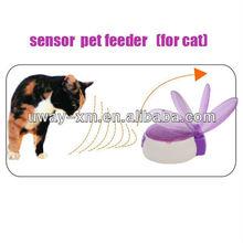 A pair of sensor pet bowl for cats