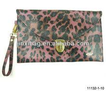 Wholesale various super star stylish leopard pattern envelope clutch bag
