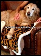 Pet Throw 100%polyester cozy fleece throw pet bed