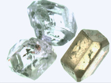 synthetic diamond raw material