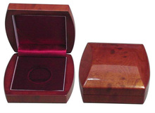 luxury wooden coin boxes with unique shape and gllod lining
